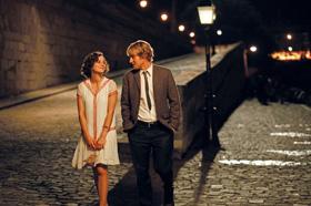 Marion Cotillard et Owen Wilson dans Minuit à Paris