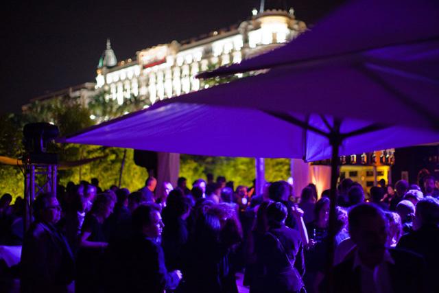 Une fête nocturne à Cannes (c) Sébastien Dolidon