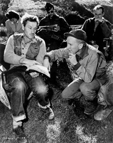 William Wellman et Burgess Meredith sur le tournage de The Story of G.I. Joe