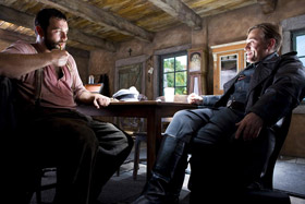 Denis Ménochet et Christoph Waltz dans Inglourious Basterds