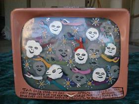 Une télévision colorée...