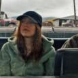 Il est bientôt midi, je retrouve Kelly Reichardt au Lutétia, lieu qui détonne étrangement avec son univers cinématographique… On se souvient du très beau <em>Wendy et Lucy</em> où Michelle Williams errait, volait et...