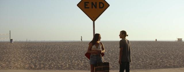 24 heures dans la vie d'un couple - Un jeune couple débarque à Los Angeles, attiré par la cité des étoiles où tout est possible. Elle rêve de travailler dans la musique, lui pourrait faire n'importe quel...